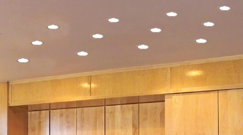 Oprindeligt Halogen- og LED-spots – undgå gennembrydning af dampspærre ved SB53